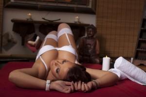 Evelin-Erotikus-Masszazs-ESZO-Lingam-Japan-Tantra-Csuszka-Massage-House-21