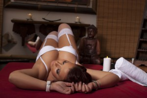 Evelin-Erotikus-Masszazs-ESZO-Lingam-Japan-Tantra-Csuszka-Massage-House-21