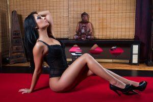 berni-erotikus-masszazs-szexi-masszoz-lingam-negykezes-budapest-massage-house-srgb-06