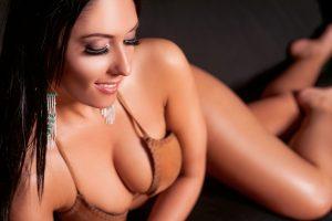berni-erotikus-masszazs-szexi-masszoz-lingam-negykezes-budapest-massage-house-srgb-26
